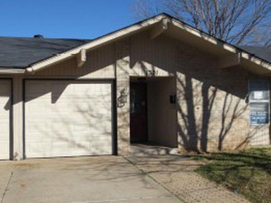 1301 Swan Lake Rd, Edmond, OK 73003