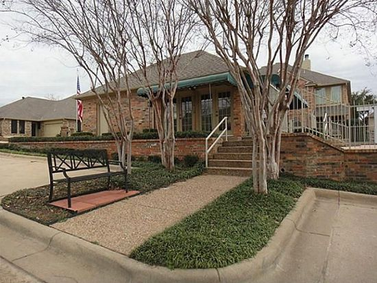 1218 Woodland Park Dr, Hurst, TX 76053