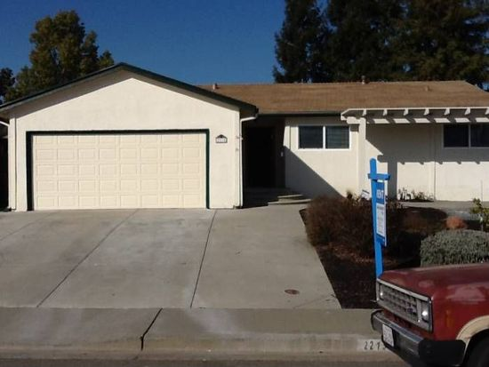 2215 N Cirby Way, Roseville, CA 95661