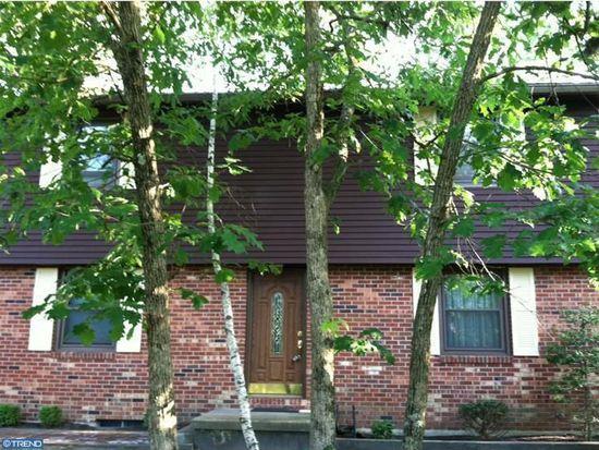 318 Mohawk Trl, Browns Mills, NJ 08015