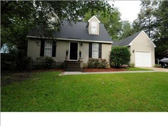 207 Maple Dr, Summerville, SC 29485