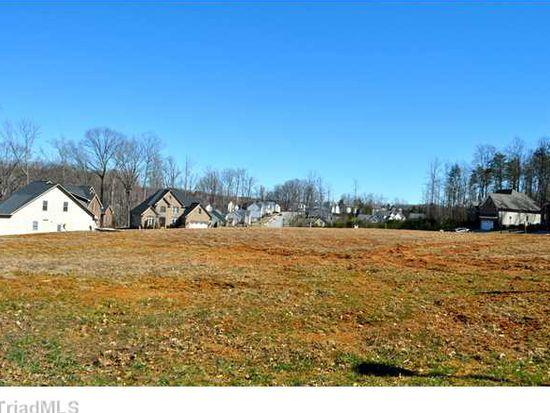 141 Arrowhead Dr, Kernersville, NC 27284