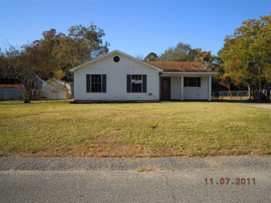 800 Trailwood Dr E, Mobile, AL 36608