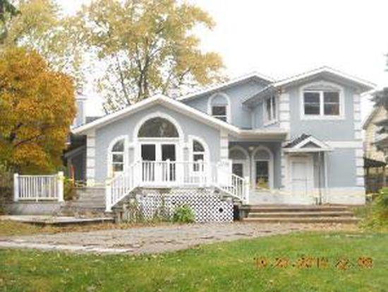 17W463 Eisenhower Rd, Oakbrook Terrace, IL 60181