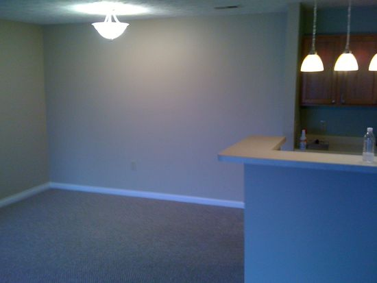 8224 Glenwillow Ln UNIT 101, Indianapolis, IN 46278