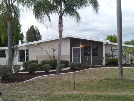 220 Lakeview Dr, North Fort Myers, FL 33917