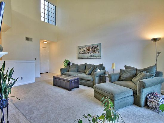 242 Redhawk Rd, Novato, CA 94949