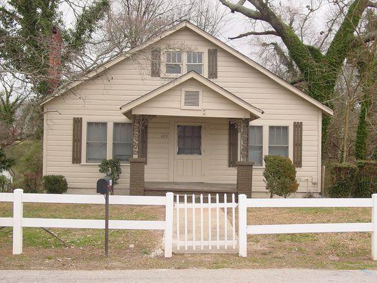 1048 Riverside Ter, Gainesville, GA 30501