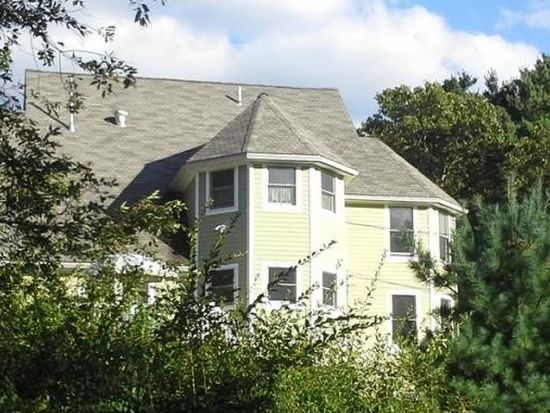 9 Brown Ave, Burlington, MA 01803
