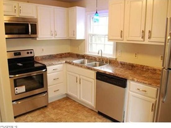 902 Forest View Dr, North Chesterfield, VA 23225