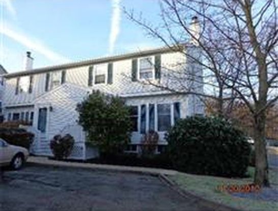 1 Arnold Ter # 1, Marblehead, MA 01945