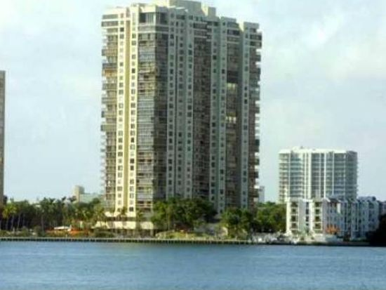 2333 Brickell Ave APT 612, Miami, FL 33129