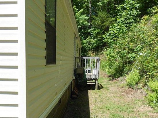 328 Rebel Ridge Rd, Otto, NC 28763