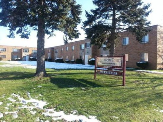 6789 York Rd APT 214, Parma Heights, OH 44130