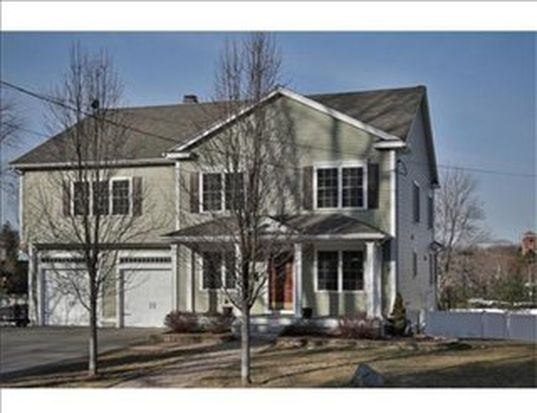 90 High St, North Andover, MA 01845