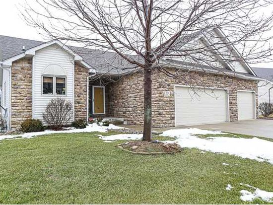 2030 Lakeview Dr, Pleasant Hill, IA 50327