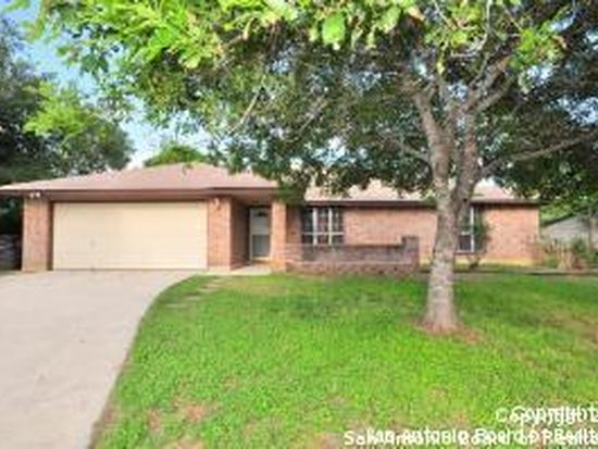 8718 Woods End St, San Antonio, TX 78240