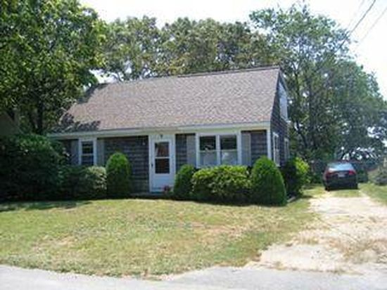 9 Maple St, Teaticket, MA 02536
