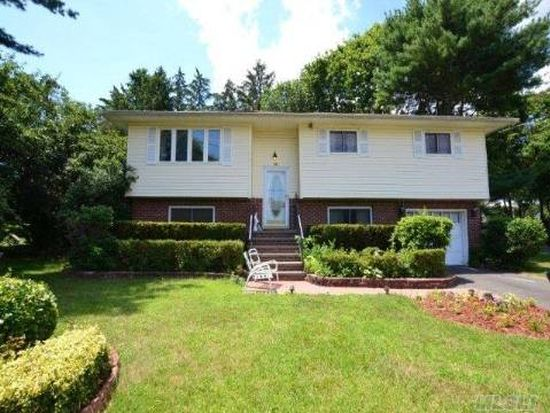 10 Governor Ave, West Babylon, NY 11704