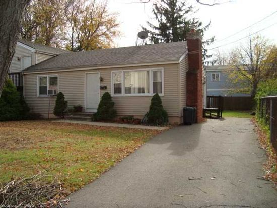 2 Lincoln St, East Haven, CT 06512