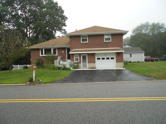 50 Ridgewood Ave, Waterford, CT 06385