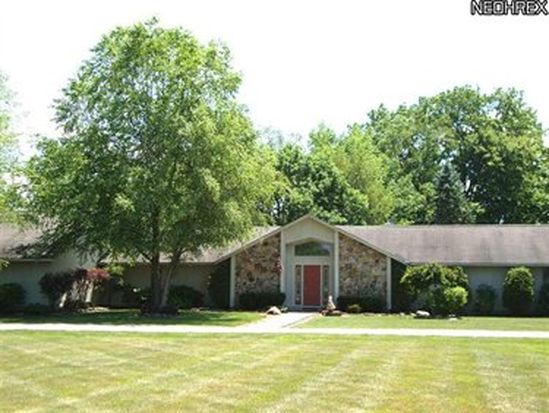 25377 Akins Rd, Columbia Station, OH 44028