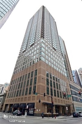 2 E Erie St APT 1705, Chicago, IL 60611