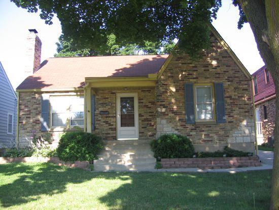 290 S Melrose Ave, Elgin, IL 60123