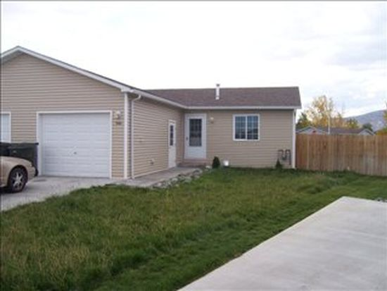1206 Blue Water Ct, Cody, WY 82414
