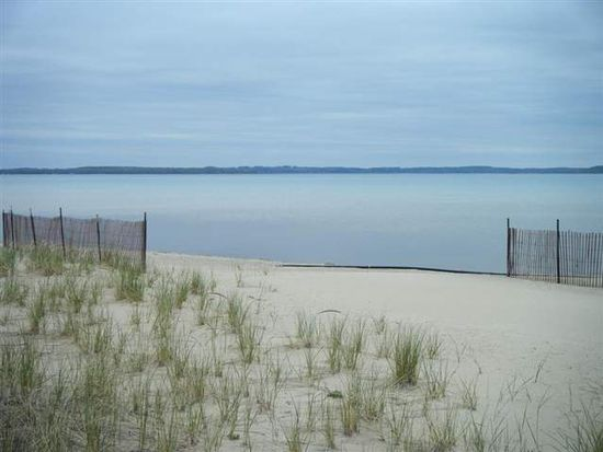 3824 S Lee Point Rd, Suttons Bay, MI 49682
