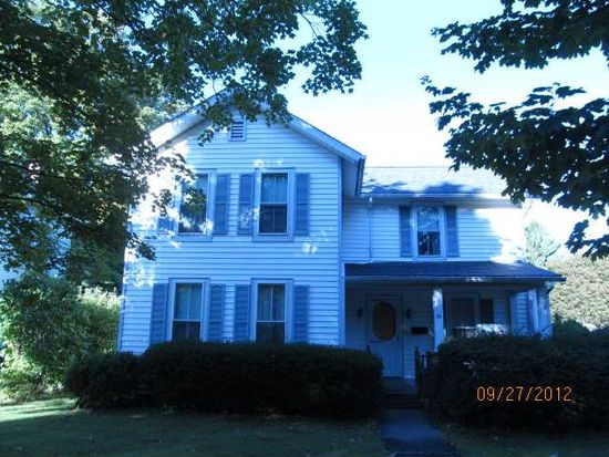 39 Robinson St, North East, PA 16428