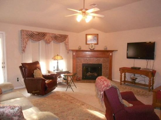 2329 Serenade Dr, Midwest City, OK 73130