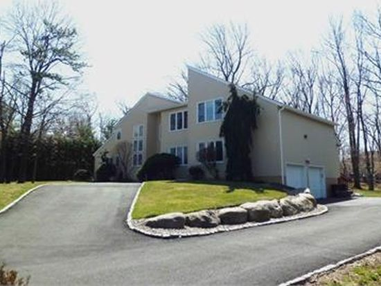 6 Driftwood Dr, Livingston, NJ 07039