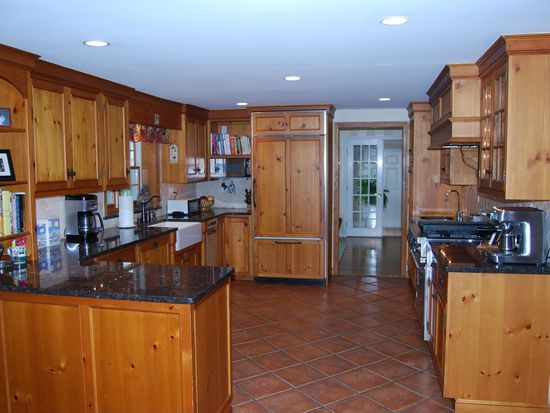 69 Old Pasture Rd, Cohasset, MA 02025