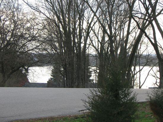 3522 Eastway Dr, Island Lake, IL 60042