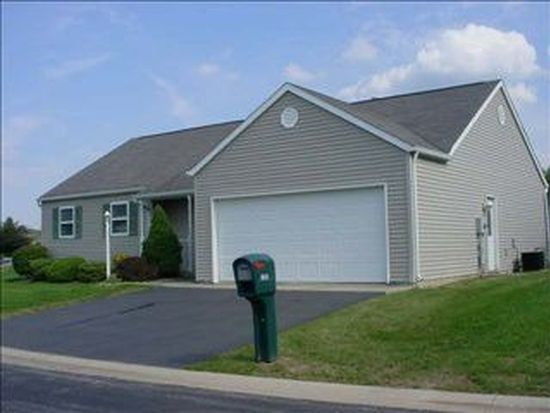 1367 Countryside Dr, Findlay, OH 45840