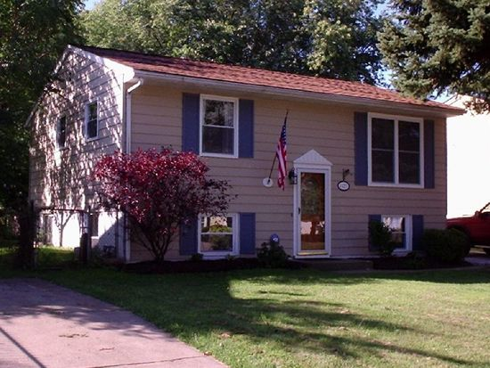 1527 Woodlawn Ave, Erie, PA 16510