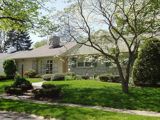 1643 Dauphin Ave, Wyomissing, PA 19610