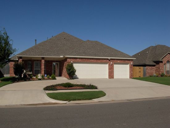 3309 Willow Ln, Moore, OK 73170