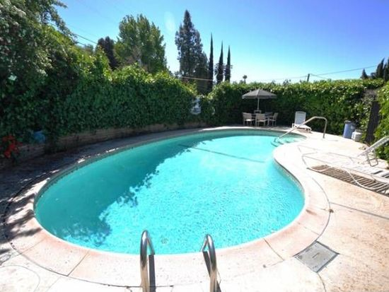 11785 Laurelwood Dr APT 12, Studio City, CA 91604