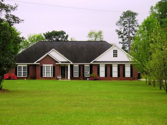 1706 Lily Pond Rd, Albany, GA 31701