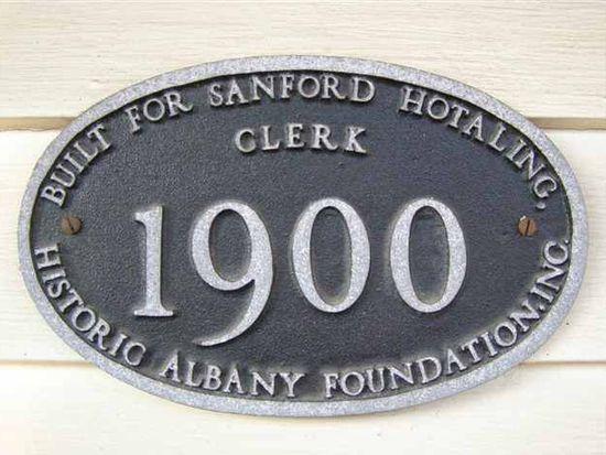 462 Hamilton St, Albany, NY 12203
