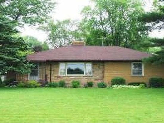3920 S Country Club Rd, Woodstock, IL 60098