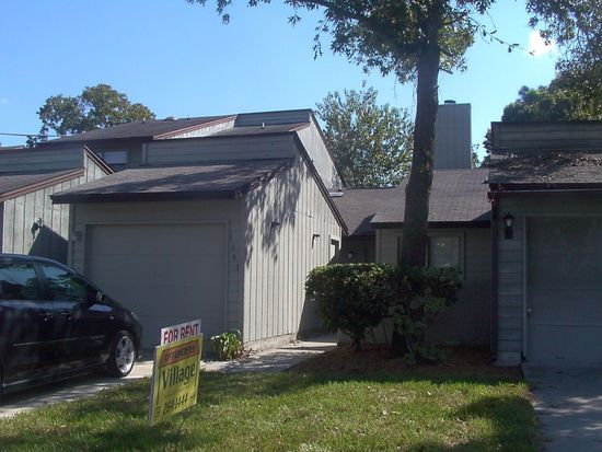 1043 Lee Rd, Jacksonville, FL 32225