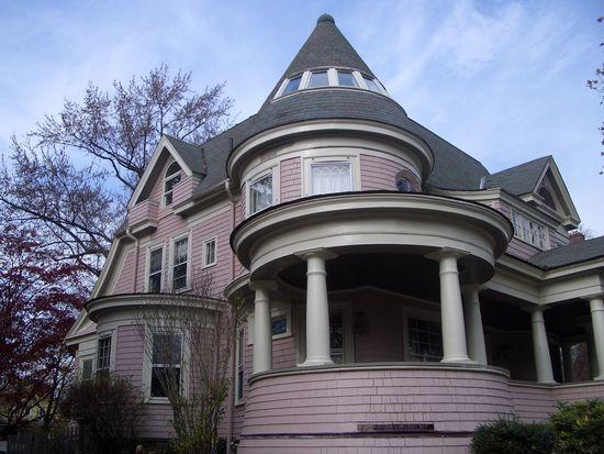 139 Kenyon St, Hartford, CT 06105