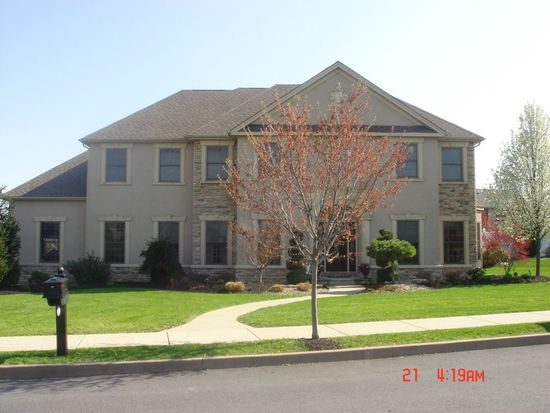 3200 Old Carriage Dr, Easton, PA 18045