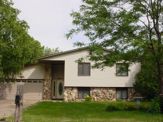 8340 75th St S, Cottage Grove, MN 55016