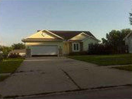 1615 E Watrous Ave, Des Moines, IA 50320