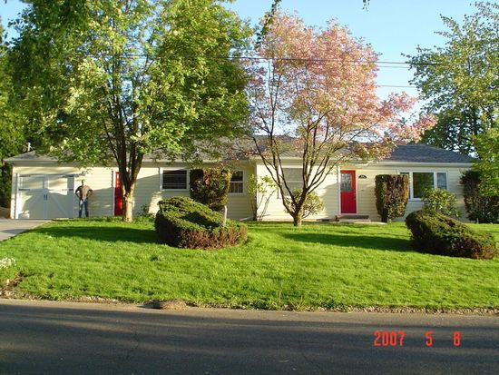 9565 SE Crystal View Dr, Portland, OR 97266