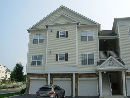 309 Waterford Ter, Williams Township, PA 18042